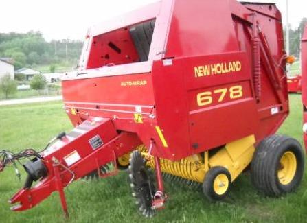 New Holland 678 Baler